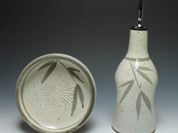 The perfect pair, dipping dish and oil dispenser (sold separately)